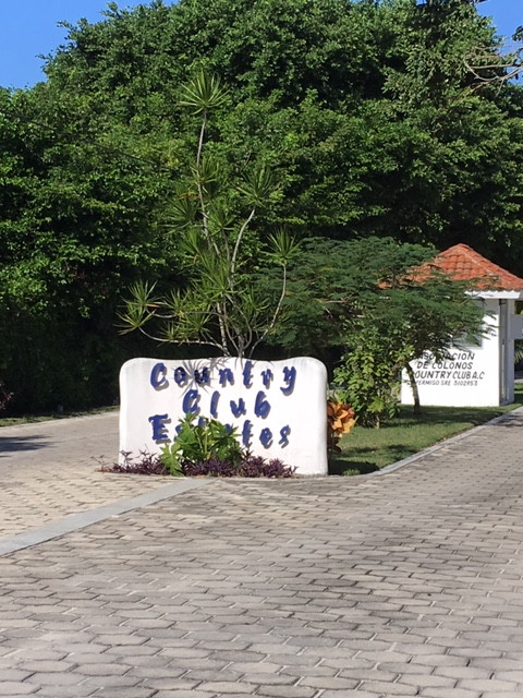 Country Club Estates Entrance