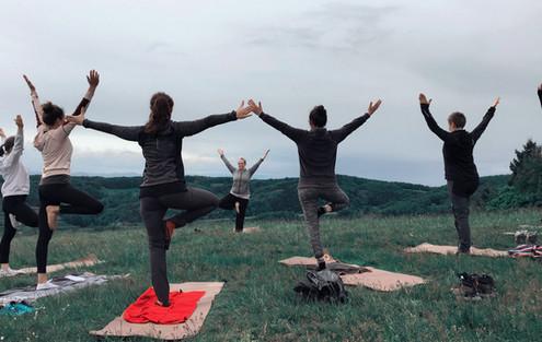 Yoga und Wandern Kaiserstuhl.jpg