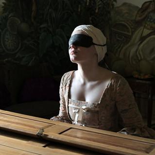 Mademoiselle Paradis: traduz em imagens o vazio fundamental de uma mulher!