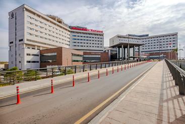 Adana_Şehir_Hastanesi_(5).jpg