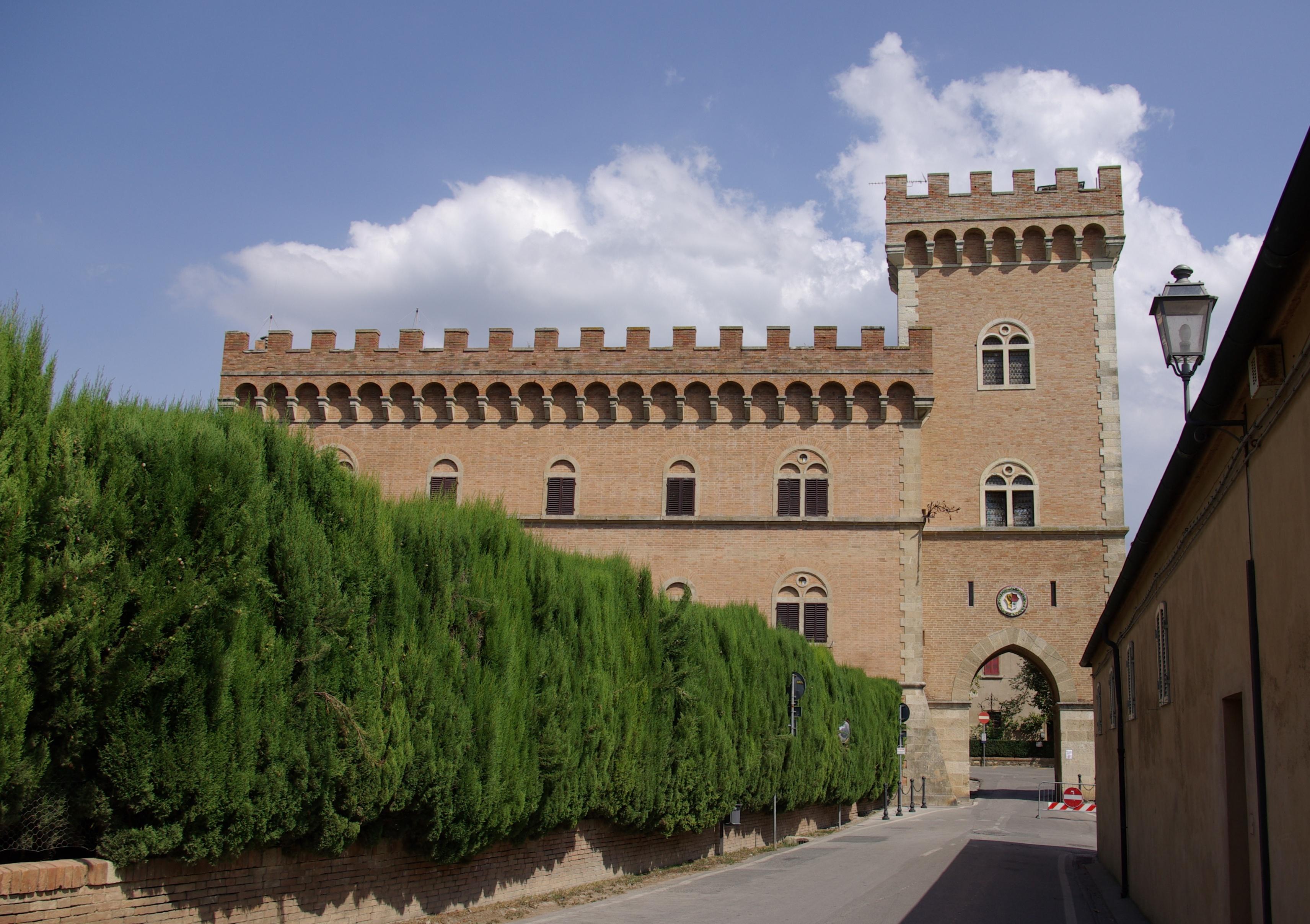 Bolgheri_Castello_001.jpg