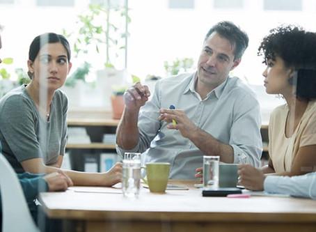 Hur aktivt lyssnande stärker kommunikation i teamet