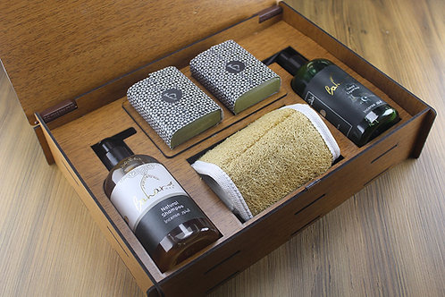 Bath set in Brown Wooden Gift Box