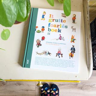Boek 'It Grutte Foarlêsboek II'