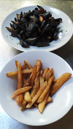 Moules marinière avec frites maison