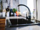 Mikroplasty v pitné vodě se řešit nebudou, filtrace by byla příliš drahá ...