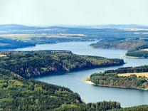 Voda v Česku se kvůli sinicím a pesticidům stává neupravitelnou