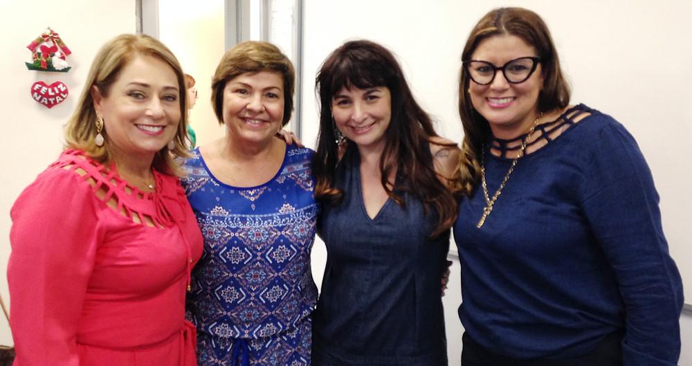 Célia Moscardi, Solange Nunes, Janaína Dias (experts em gente) e eu, a Kika