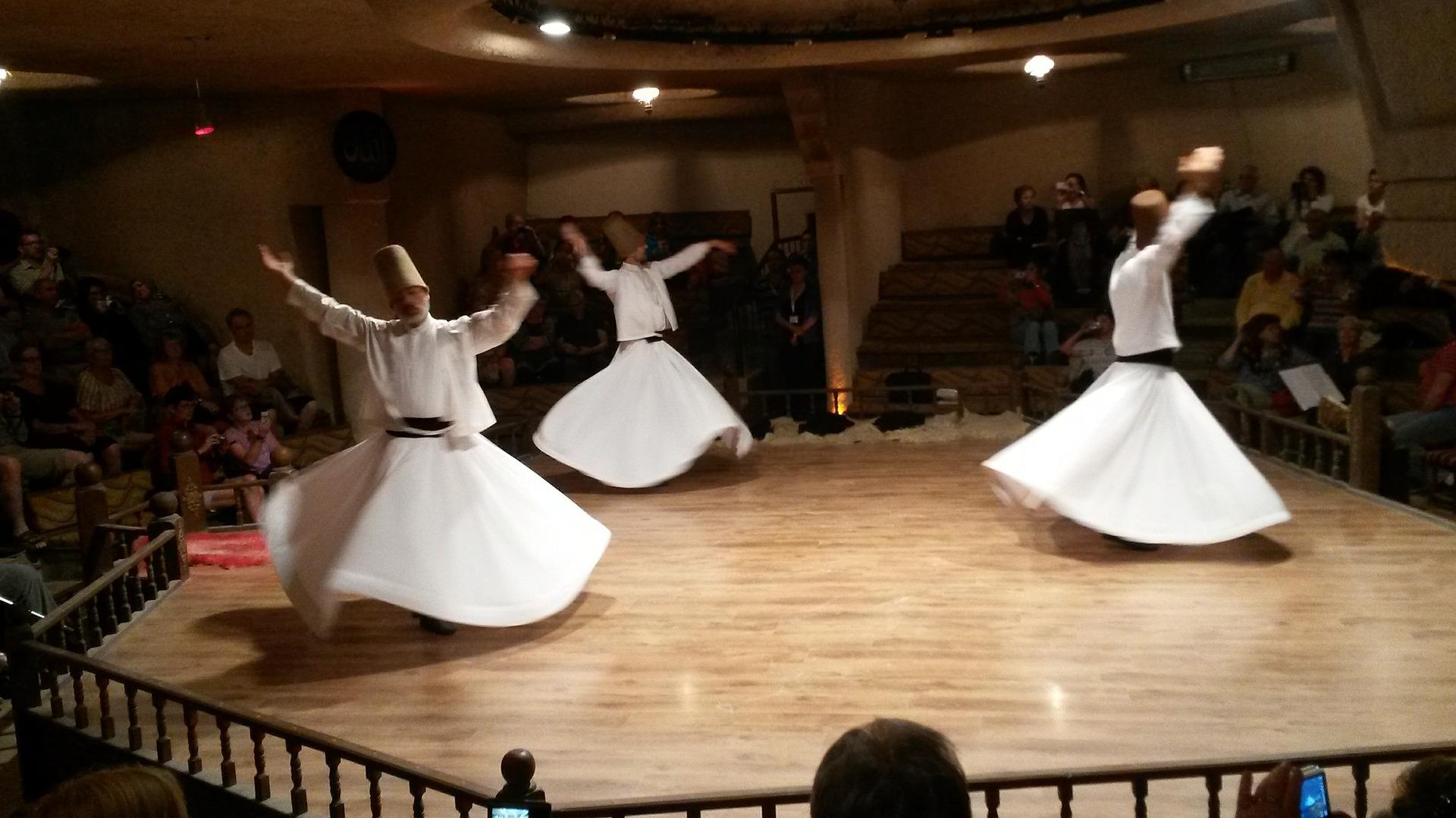 dance-410468_1920