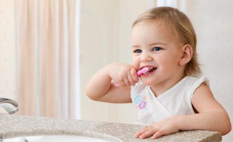 toddler_cleaning_teeth.jpg