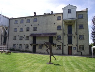 Parndon Mill  horse sculpture.jpg