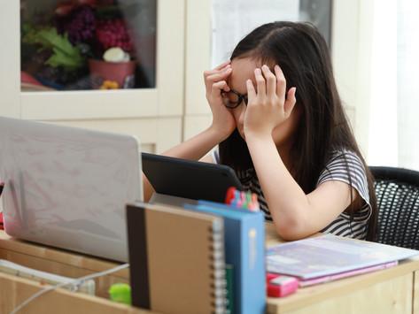 【數位教育】OneClass真人Live家教,讓我的孩子從沉默到勇敢開口—「多莉」女孩與緬甸華僑男孩的故事