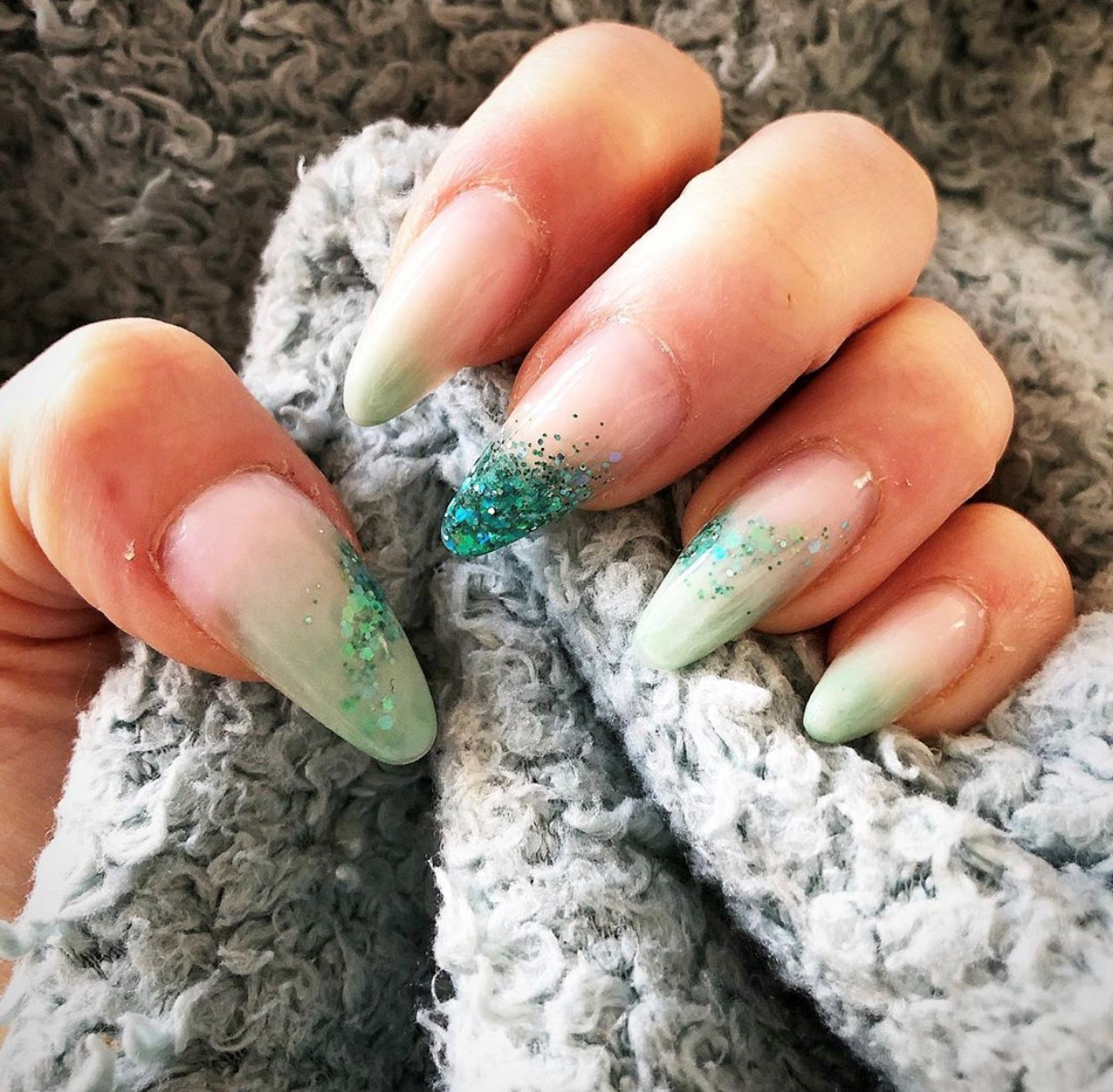 mint green sculpted acrylic nails