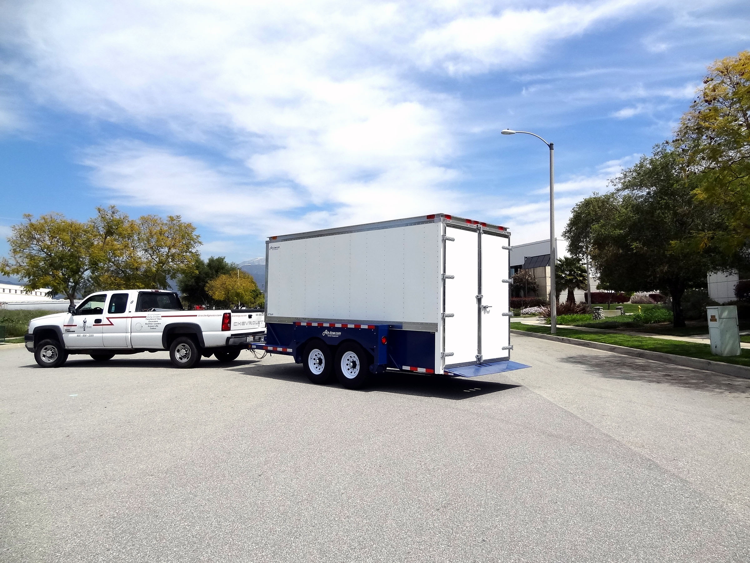 AirtowTrailers_HeaderImage_Enclosed_E169.jpg