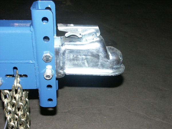 AUTO LOCKING COUPLER