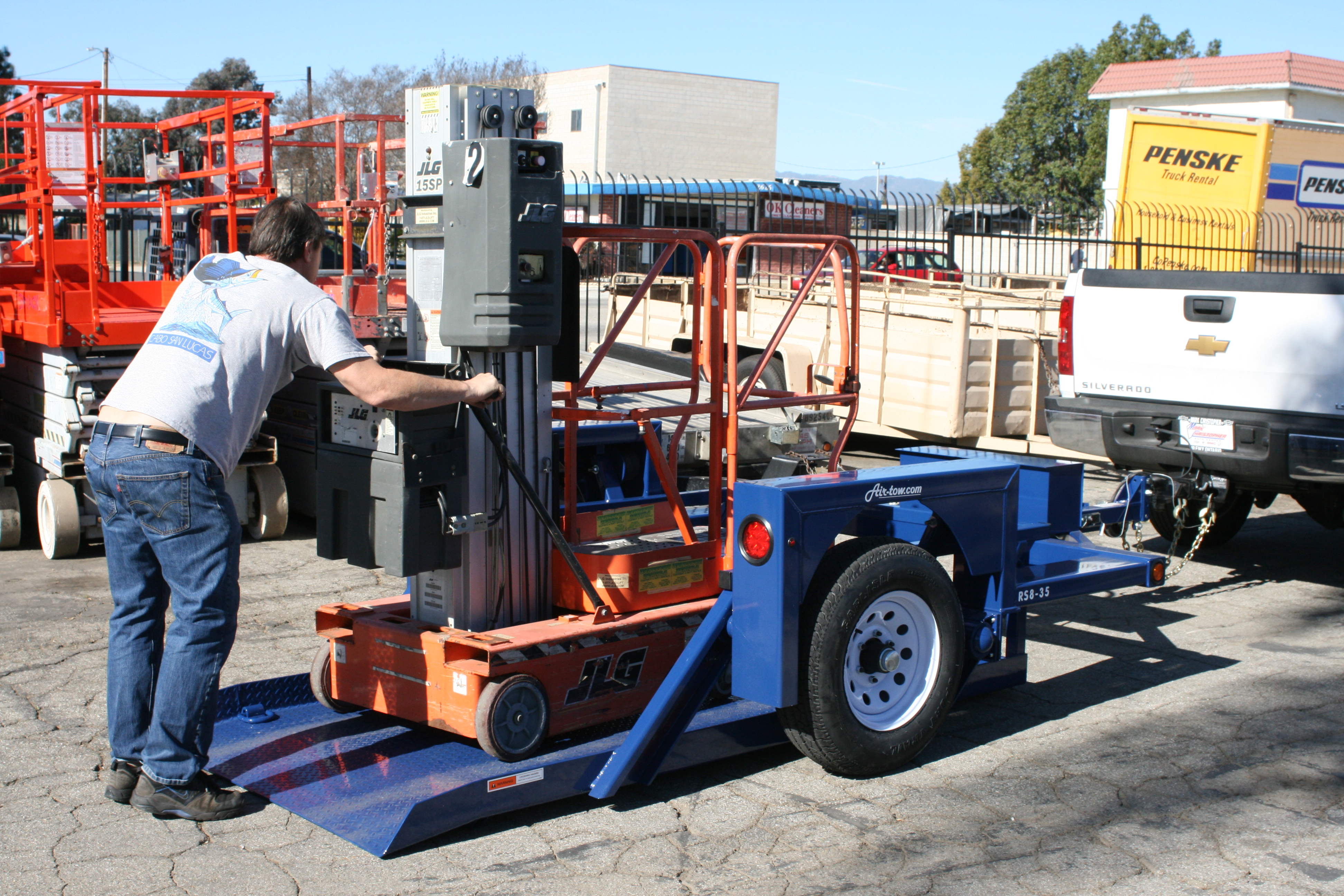AirtowTrailers_RS8_Lift.JPG