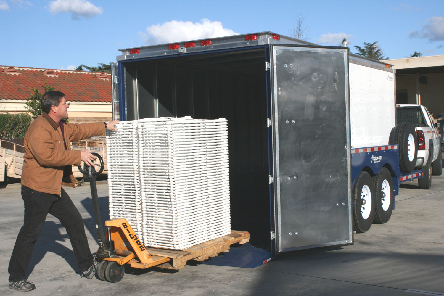 AirtowTrailers_EnclosedChairs - Copy.jpg