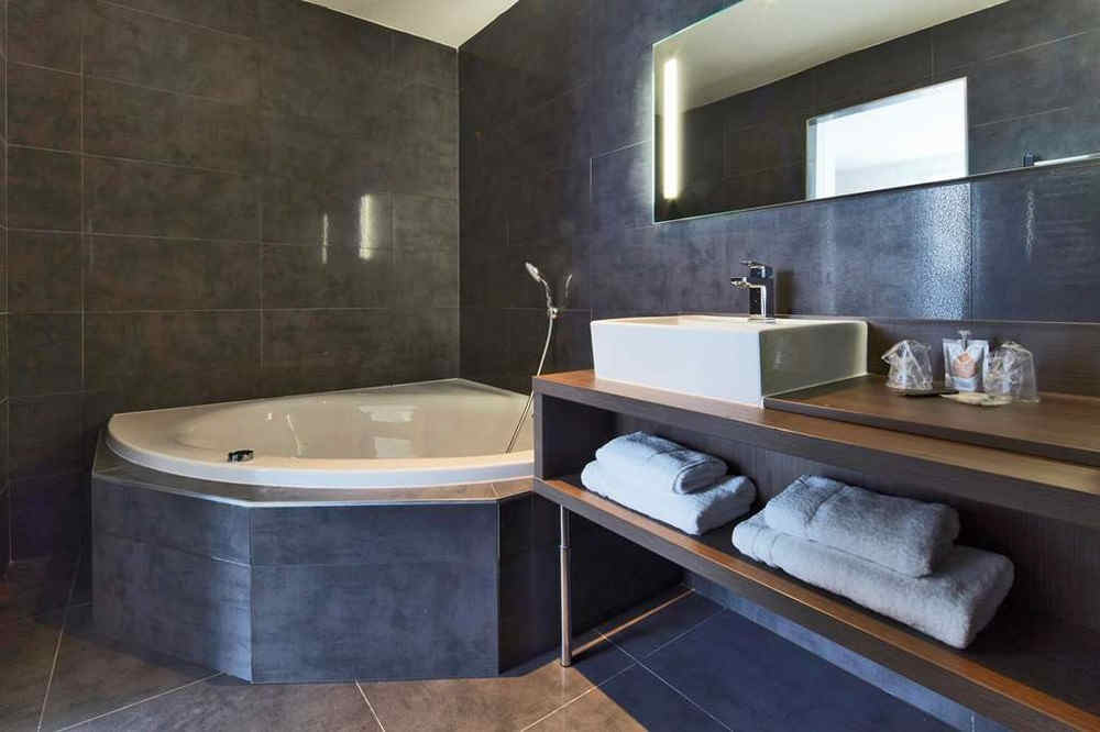 kyriad-troyes-centre-salle-de-bain_4205.