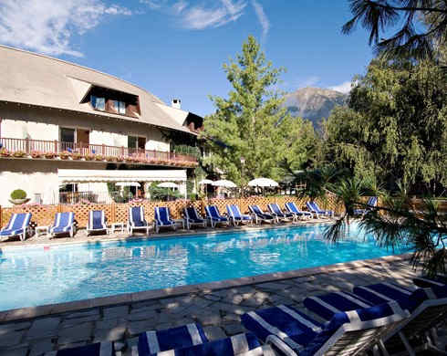 les-bartavelles-hotel-et-spa-piscine.jpg