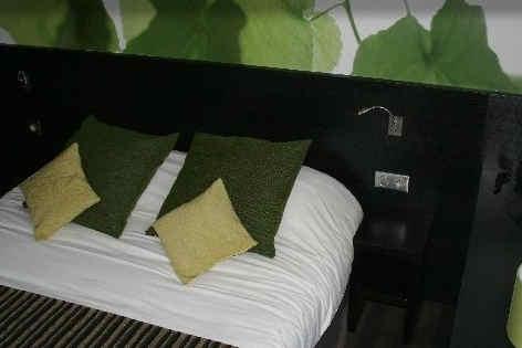 ax-hotel-chorges-chambre-2.jpg