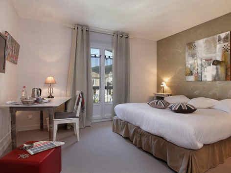 hotel-medieval-rochemaure-chambre-3_e-02