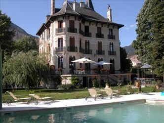 villa-morelia-jausiers-facade.jpg