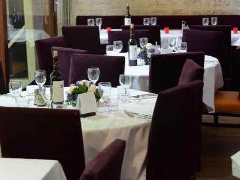 viaduc-cafe-paris-tables_e-02.jpg