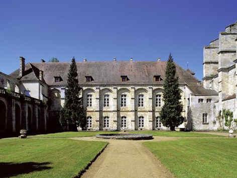 abbaye-de-longpont-facade-2.jpg