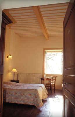 chateau-de-liviers-lyas-chambre.jpg