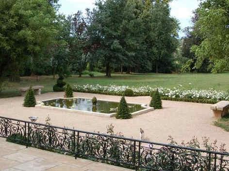 chateau-de-luponnas-terrasse.jpg