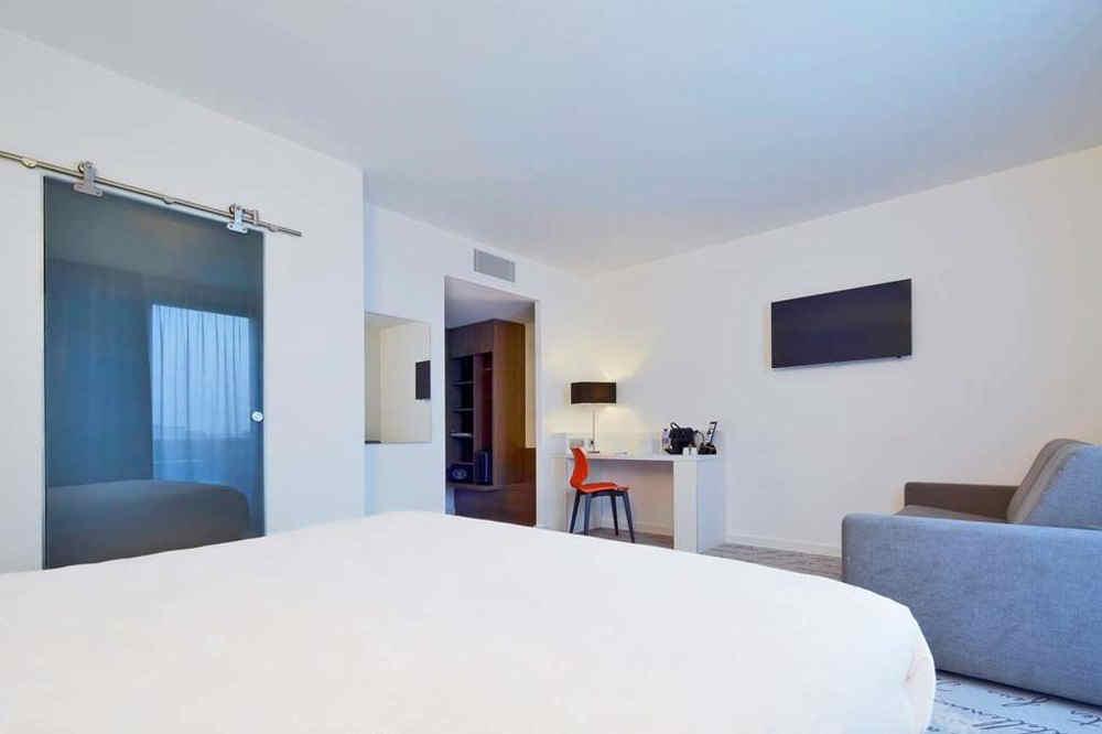 kyriad-troyes-centre-junior-suite-2_3098