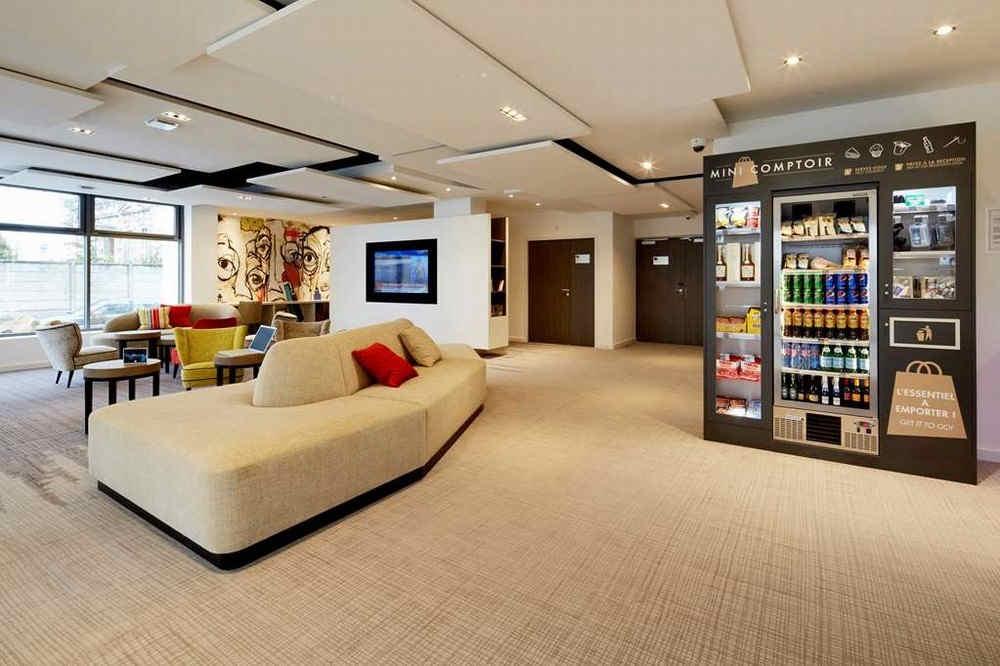 kyriad-troyes-centre-lobby-bar_9241.jpg
