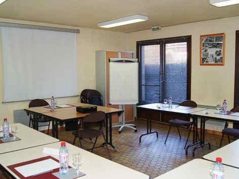 p-tit-dej-hotel-foix-salle-seminaire_689