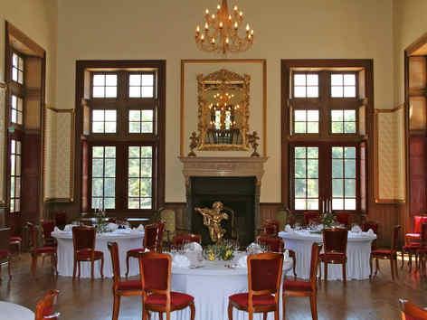 chateaudebeguinlurcylevisrestaurant.jpg