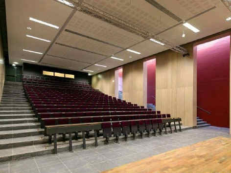 campus-saint-jean-d-angely-amphitheatre-