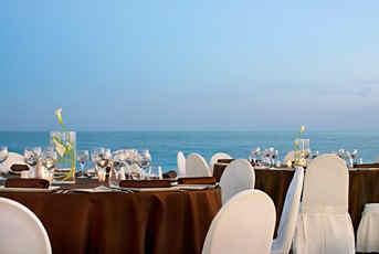 le-merdien-nice-terrasse-plage.jpg