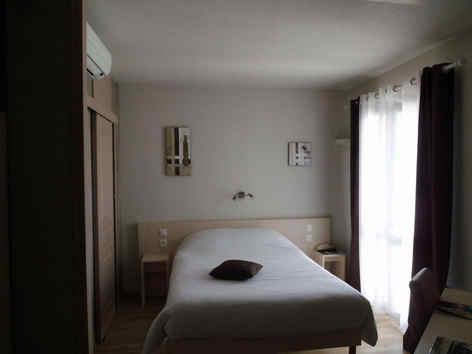 hotellaberangereperougeschambre2.jpg