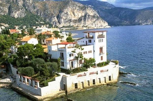 villa-grecque-kerylos-vue-exterieure-2.j