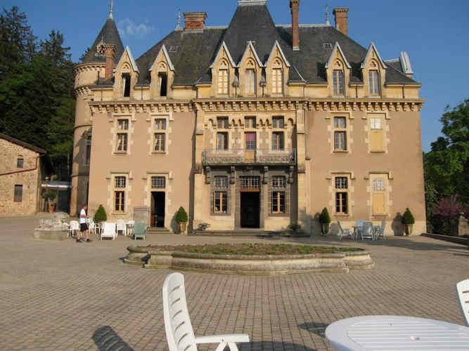 chateau-d-urbilhac-lamastre-exterieur-2.