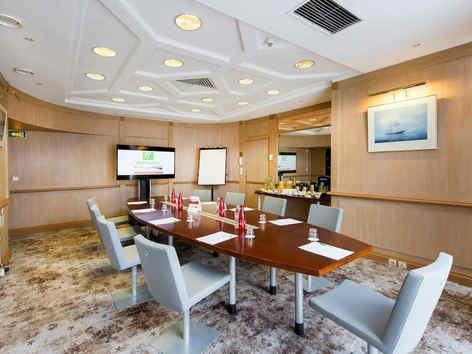 holiday-inn-resort-port-st-laurent-salle