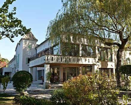 hostellerie-la-fuste-exterieur-2.jpg