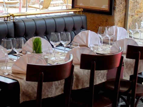 chateau-la-robeyere-embrun-table.jpg