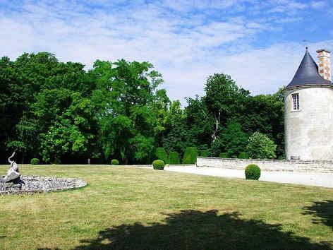 le-chateau-de-vic-sur-aisne-les-jardins.