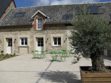 ferme-du-chateau-monampteuil-location-se