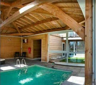 ax-hotel-chorges-piscine.jpg