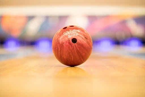 bowlingdemontluconteambuilding.jpg