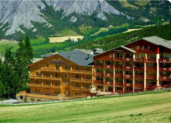 montana-chalet-hotel.jpg
