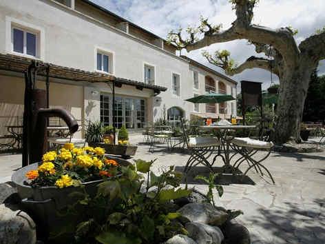 hotel-medieval-rochemaure-exterieur_4543
