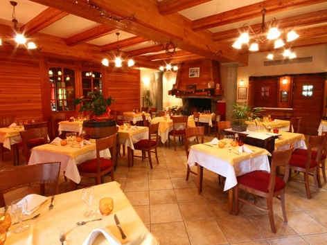 hotel-les-peupliers-embrun-restaurant.jp