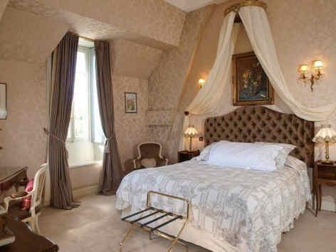 chateau-d-urbilhac-lamastre-chambre-des-